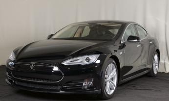 2012 Tesla Model S Sig. Performance