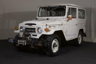1970 Toyota FJ 40 Land Cruiser