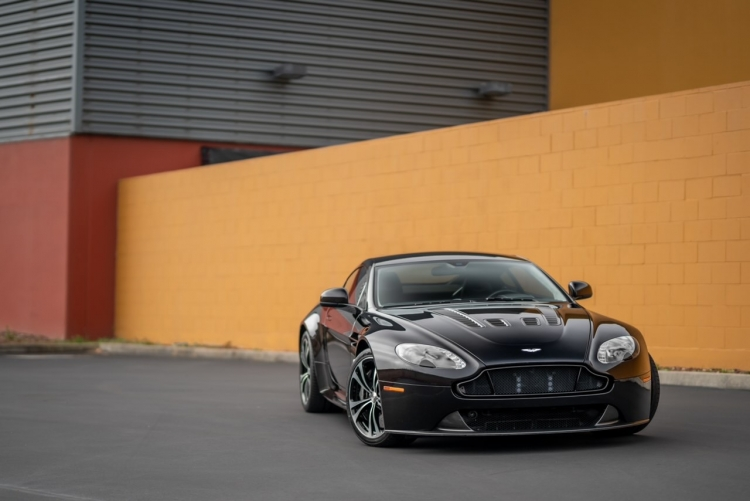 2015 Aston Martin V-12 Vantage S Coupe
